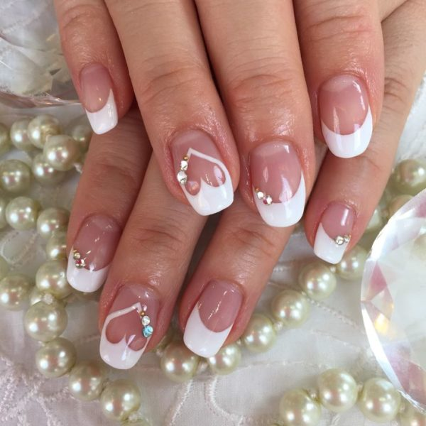 Маникюр свадебный на короткие ногти 2018: модные тенденции, фото идеи