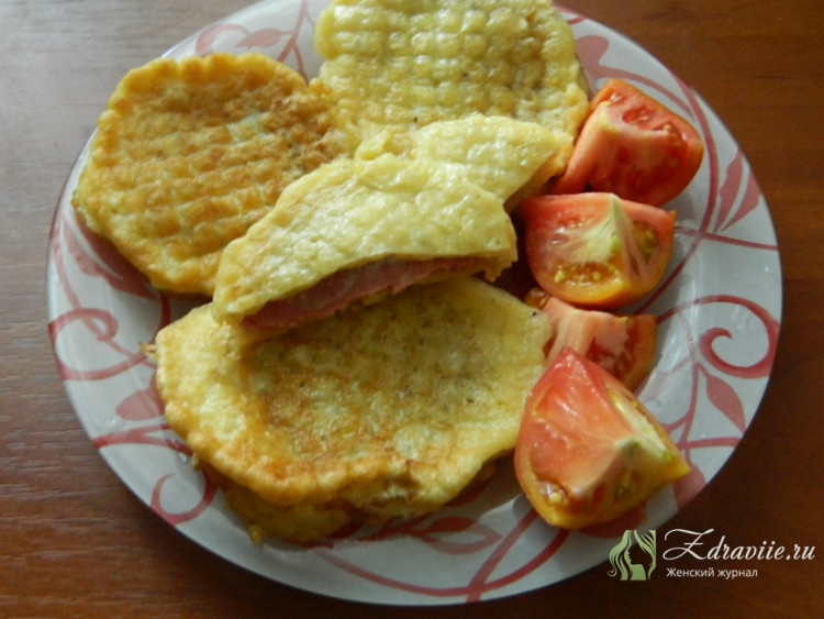 Ленивые пирожки с колбасой рецепт с фото