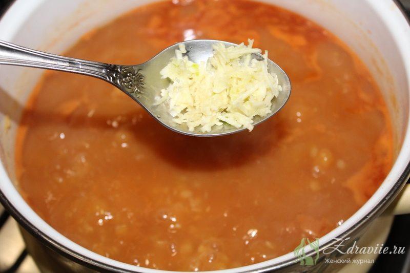 Добавить в суп натертый чеснок