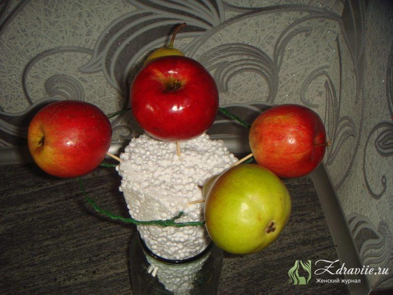 fruktovyj-buket-svoimi-rukami-4