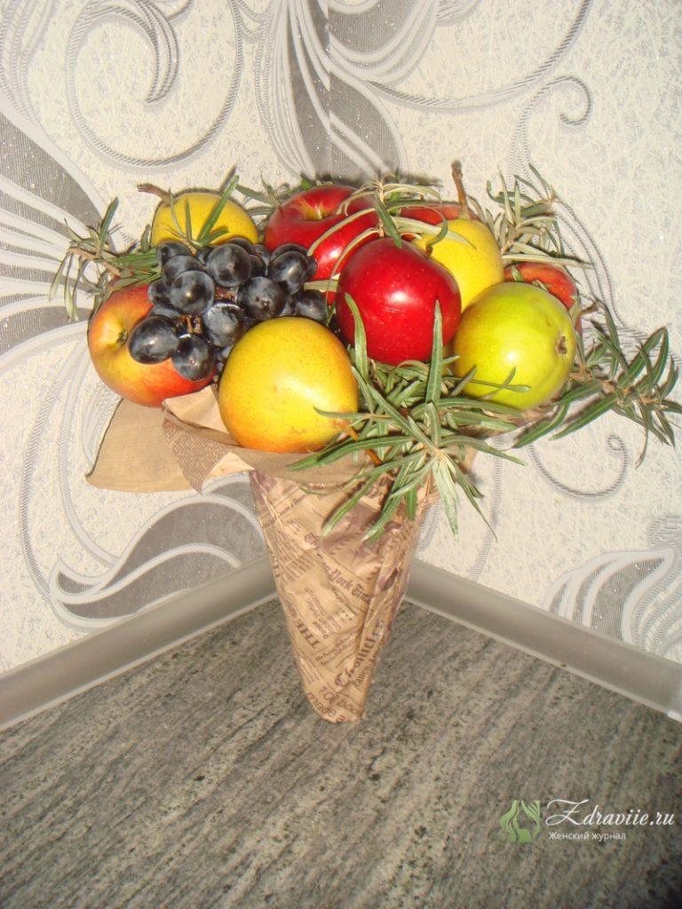 fruktovyj-buket-svoimi-rukami-11