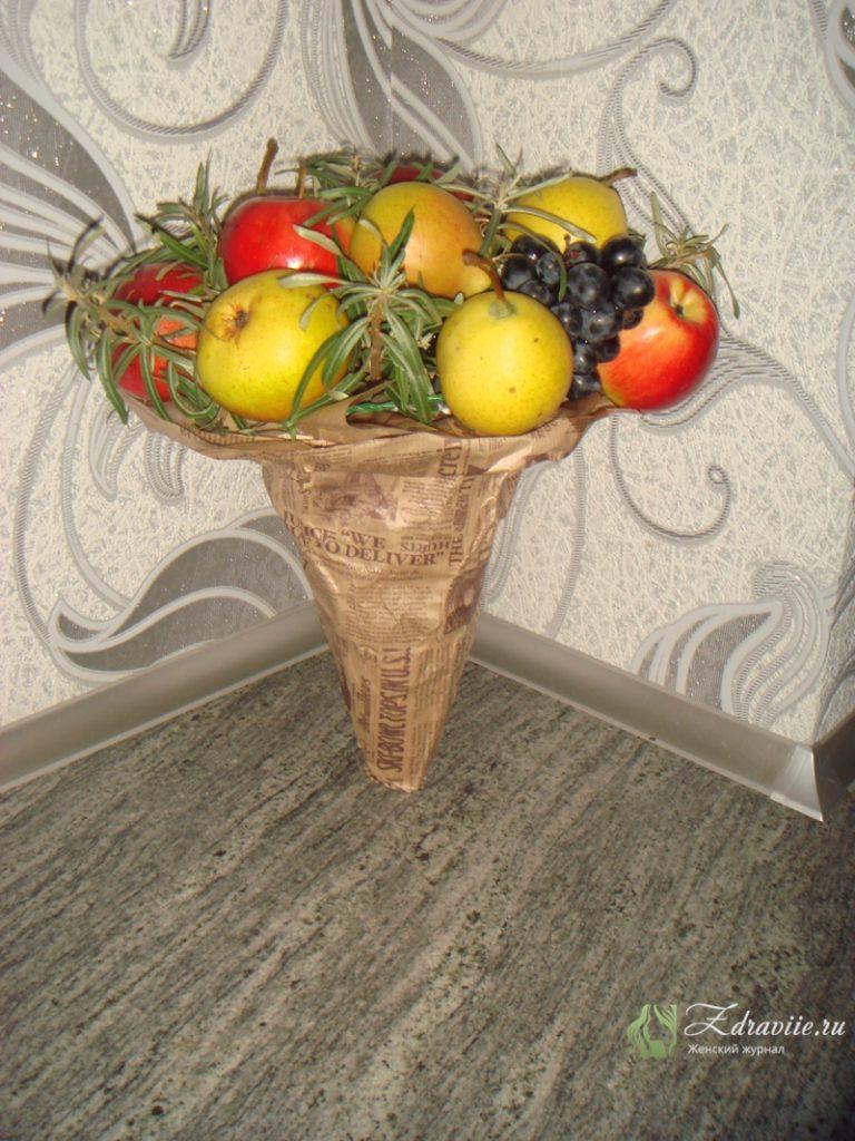 fruktovyj-buket-svoimi-rukami-10