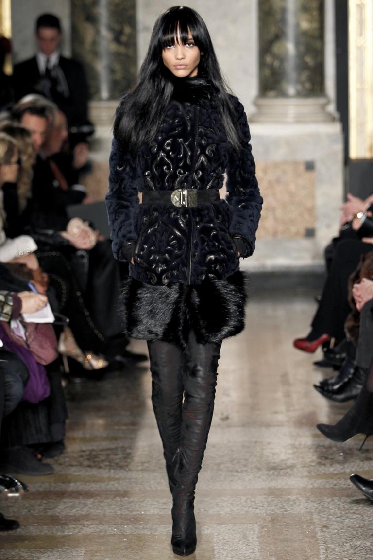 Стильная каракулевая шуба: модный холодный сезон
