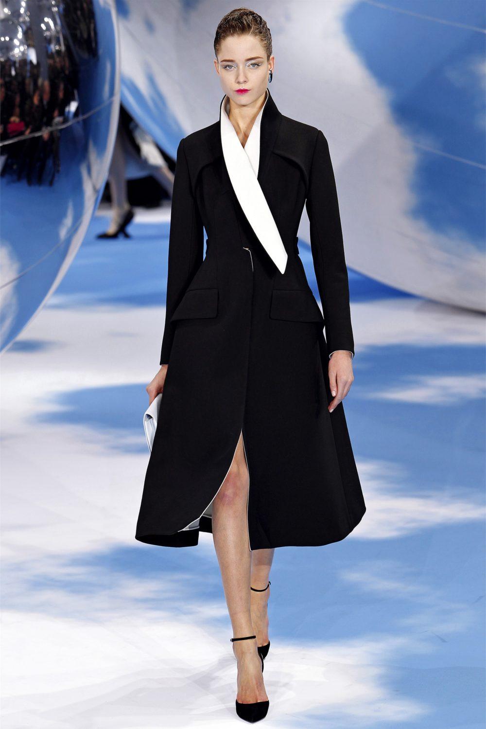 Элегантное пальто-футляр осень-зима