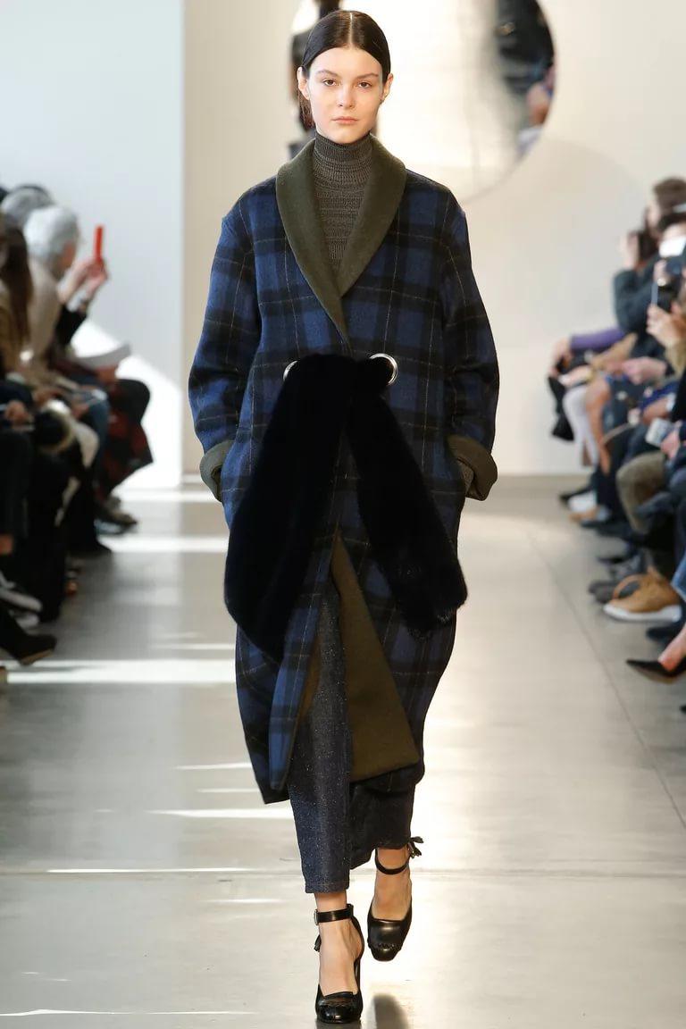 Клетчатое пальто с отделкой