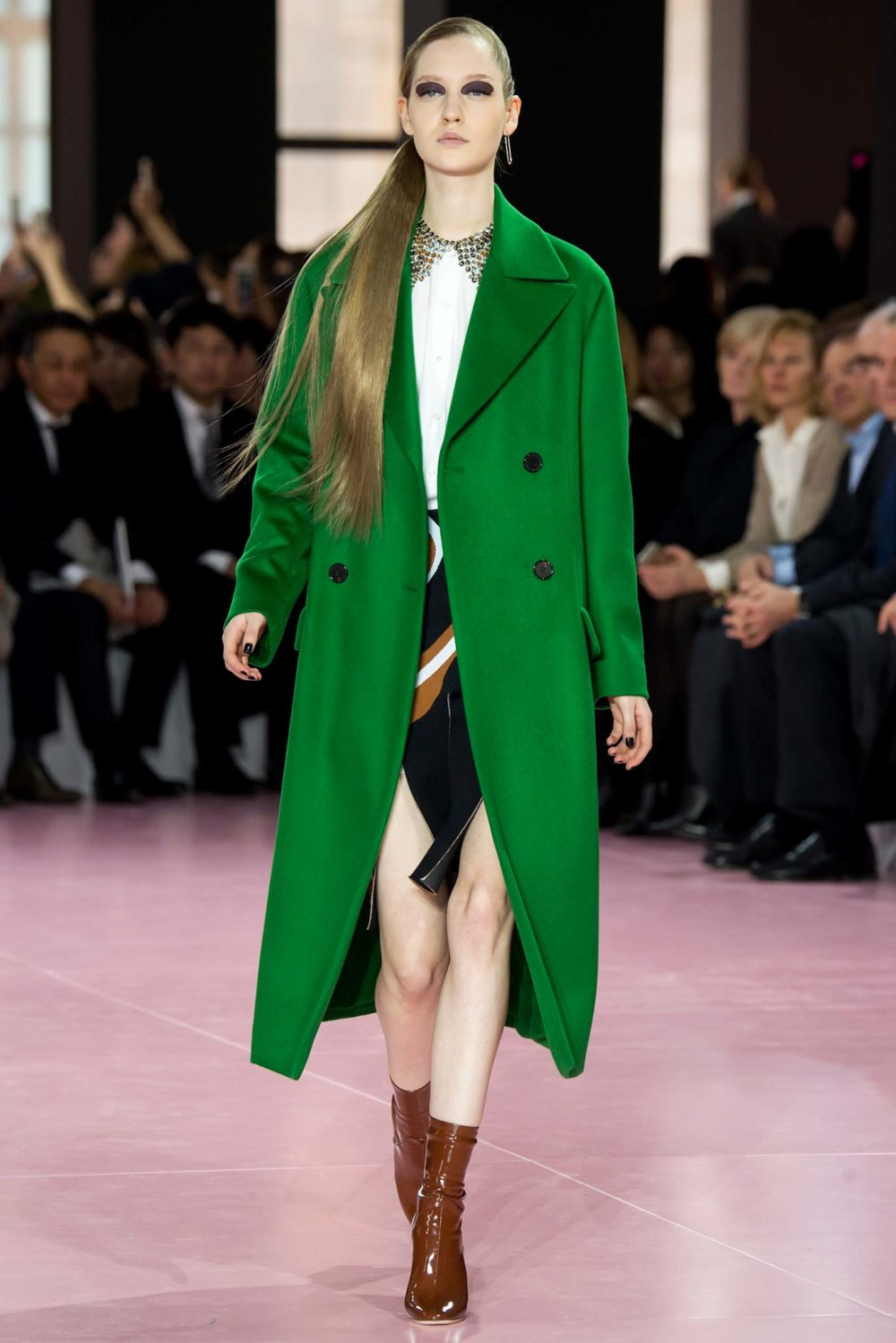 Пальто в зеленых тонах: тренд сезона