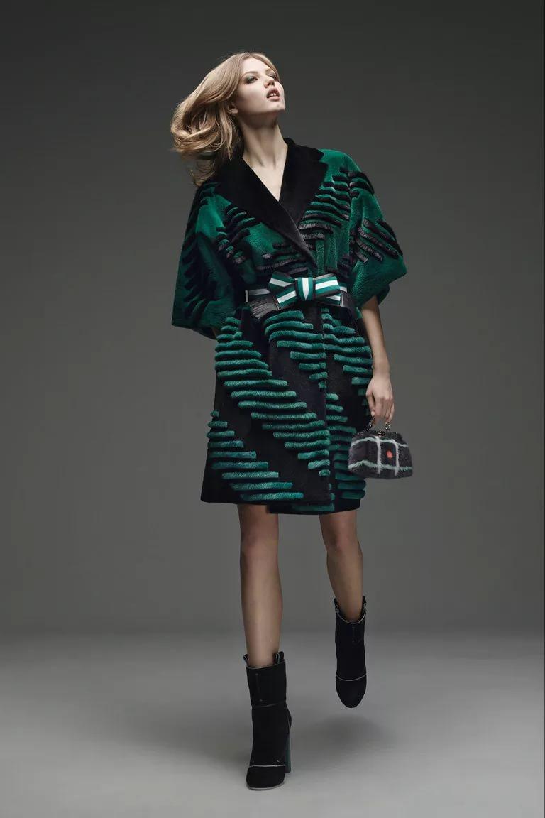 Стильная одежда в зеленых тонах