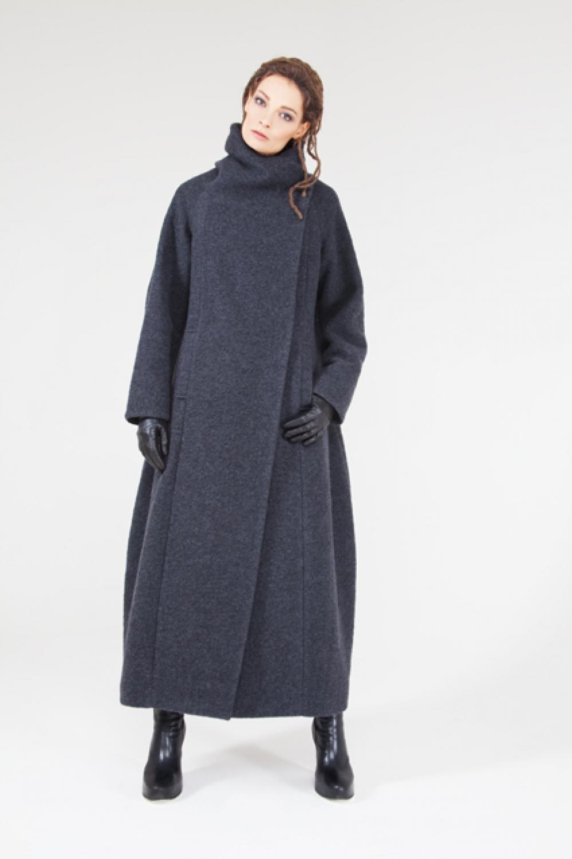 Удлиненное пальто-трапеция: стиль осень-зима