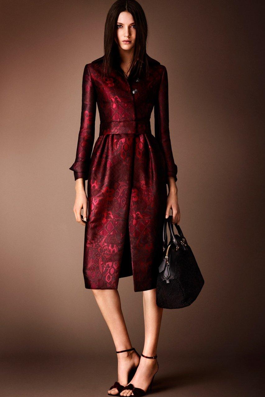 Платье миди в бордовом цвете