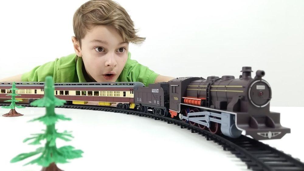 игрушки на День защитника Отечества для мальчиков