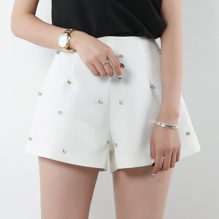 трендовые белые шорты на лето