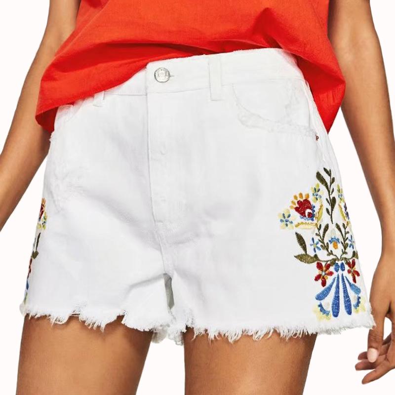 белые летние шорты с вышивкой