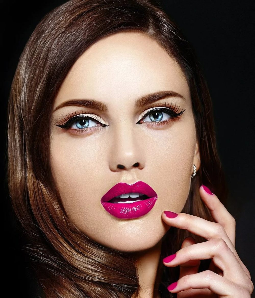 яркие губы для выпускного макияжа