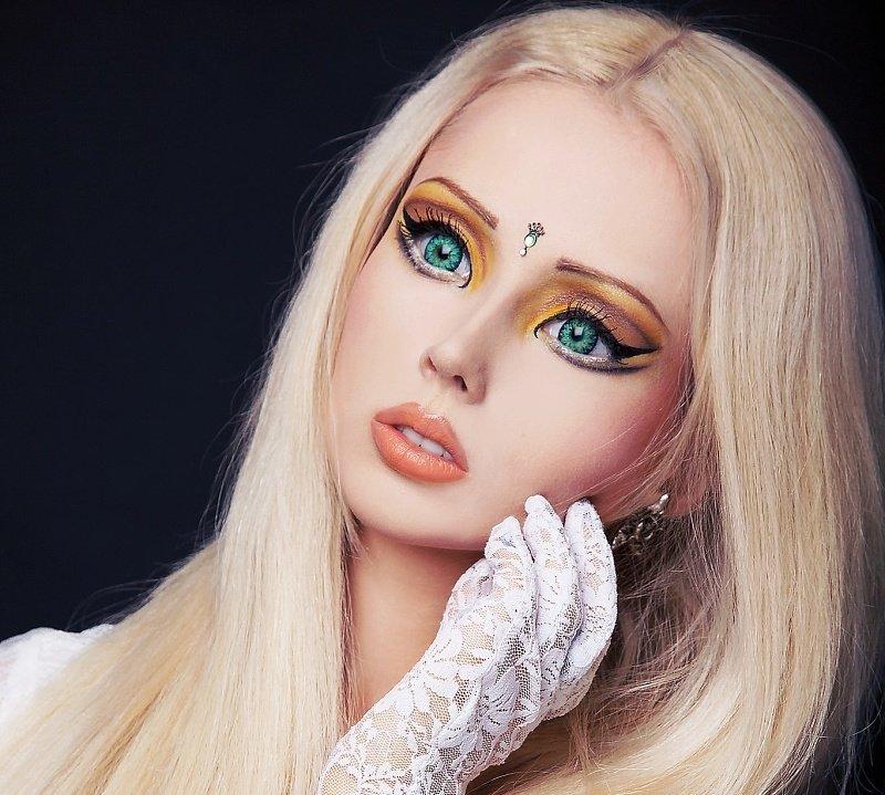 вариация кукольного макияжа для выпускного