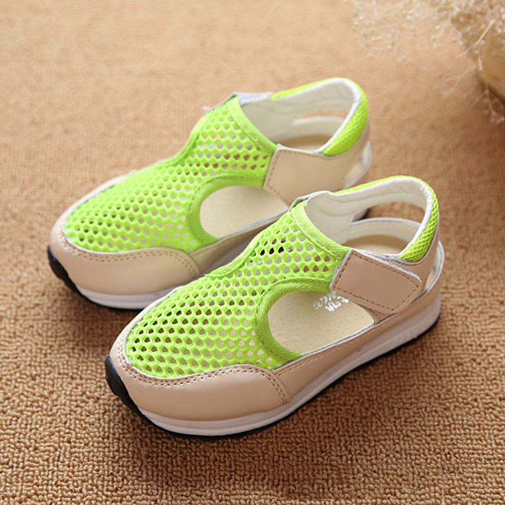 вариант спортивной пляжной обуви для девушек