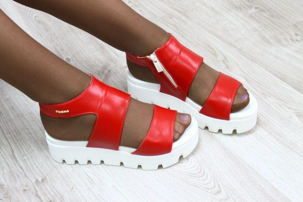 пляжная женская обувь на высокой платформе