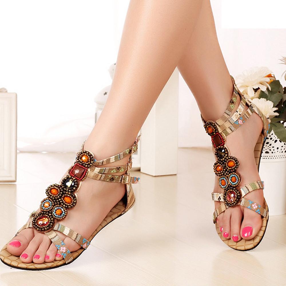 трендовые сандалии, украшенные бусинами на лето