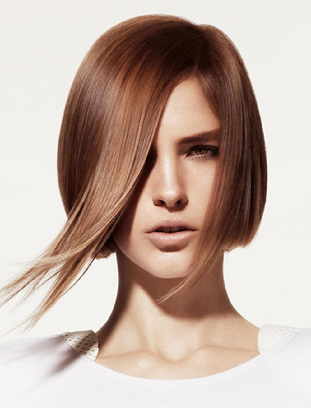 оригинальная стрижка боб на средние волосы