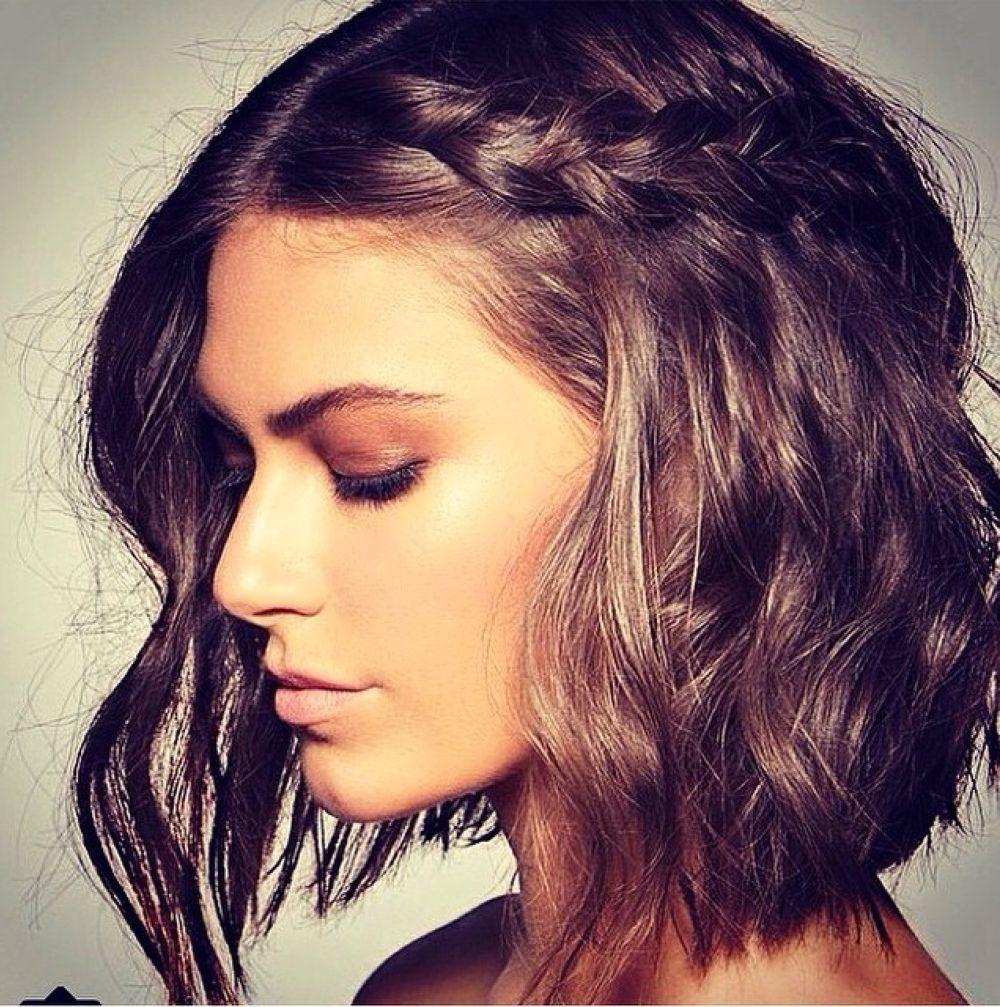 небрежная укладка на средние волосы