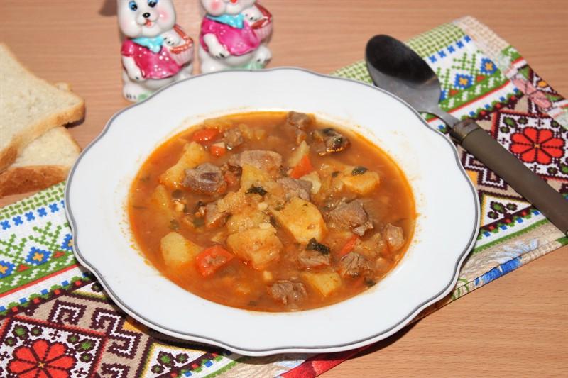 Рецепт : Жаркое из баранины и овощей в мультиварке