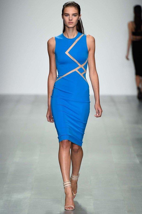 модное платье-футляр