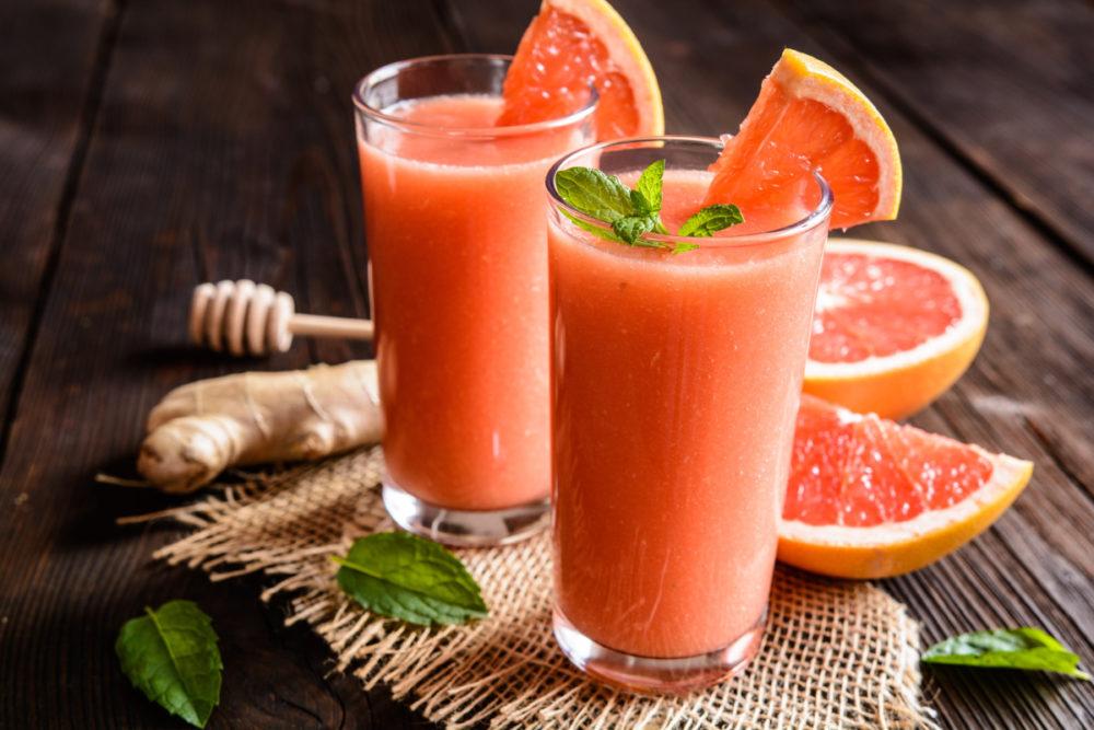 коктейль с мороженым и грейпфрутом