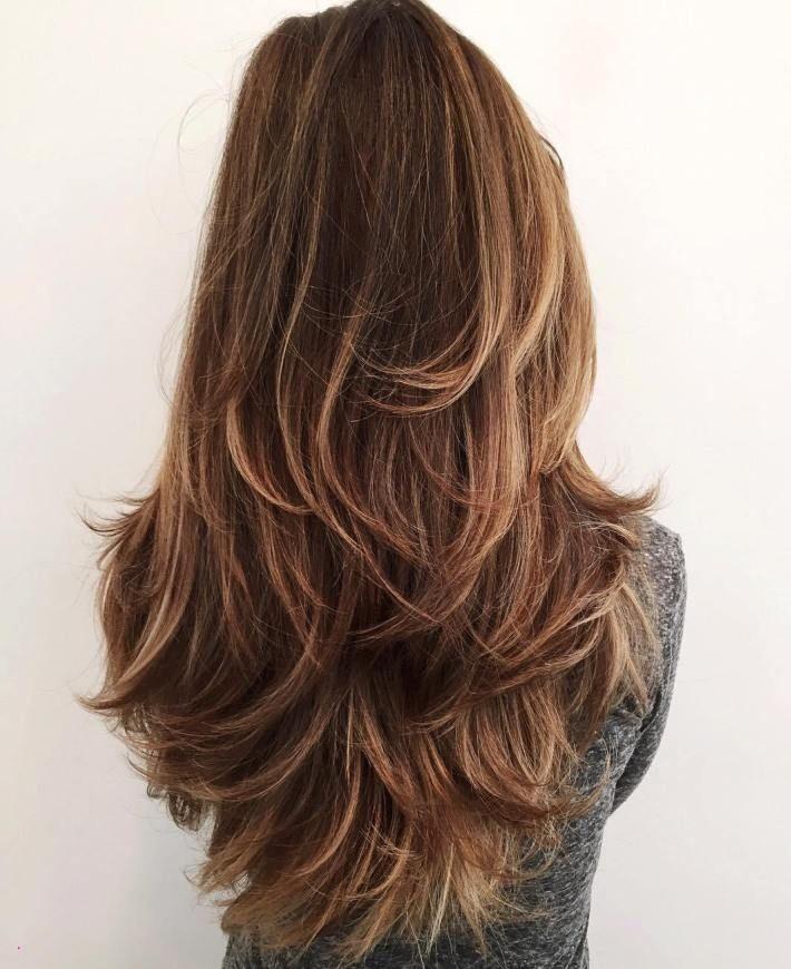 стильный каскад на длинные волосы