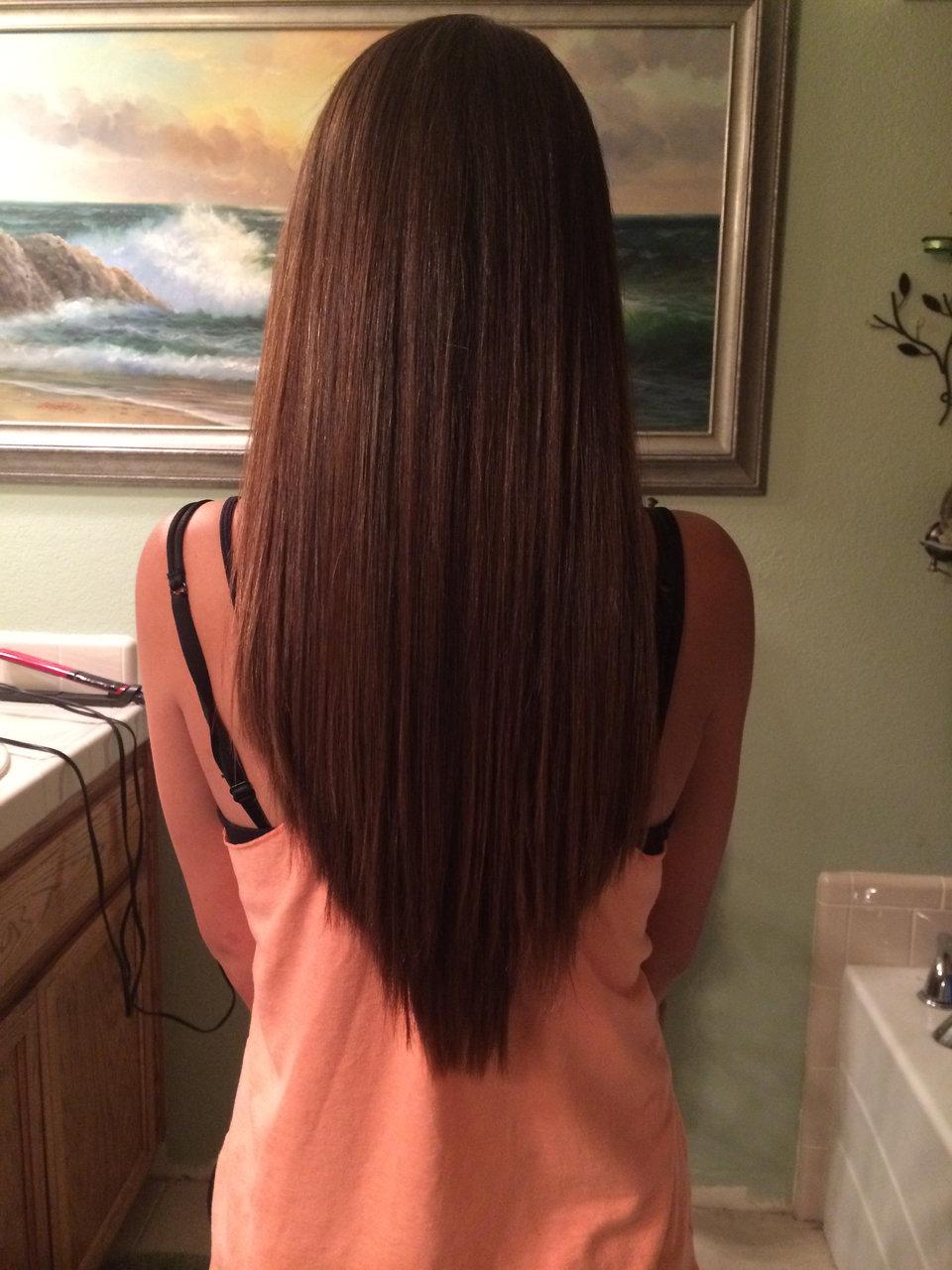 V-образная стрижка - мода для длинных волос