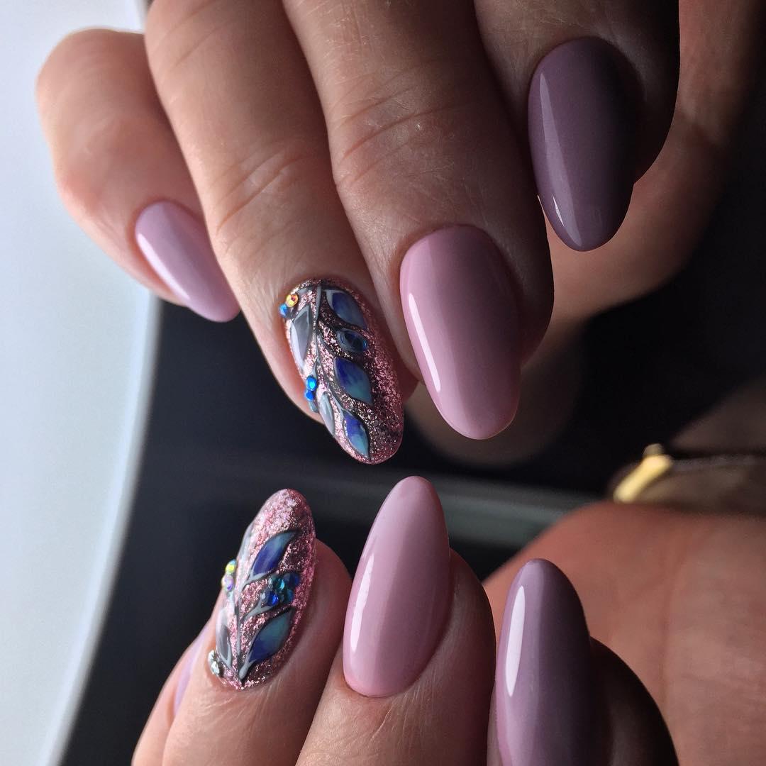стильный вариант украшения ногтей