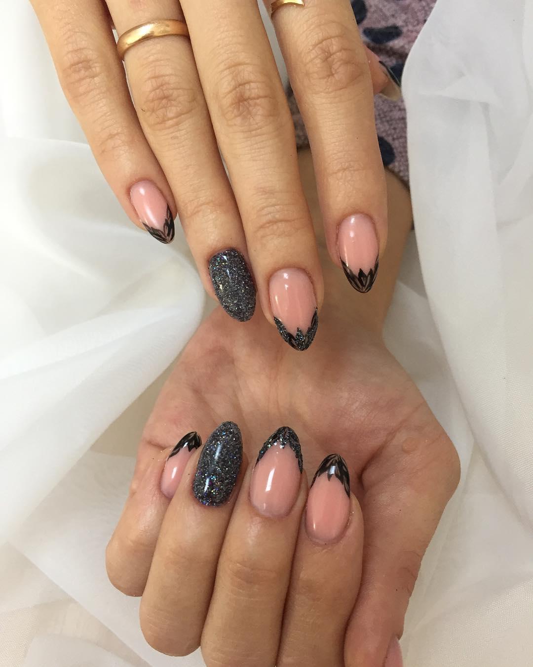 Модные новинки дизайна ногтей в 2019 году-17