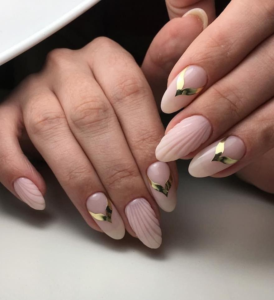 Модные новинки дизайна ногтей в 2019 году-26