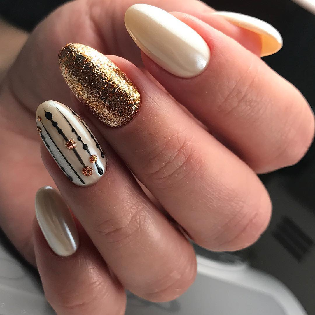 стильный осенний маникюр на длинные ногти