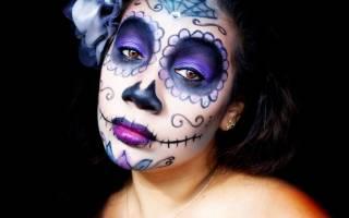 Стильный и пугающий макияж на Хэллоуин для девушек