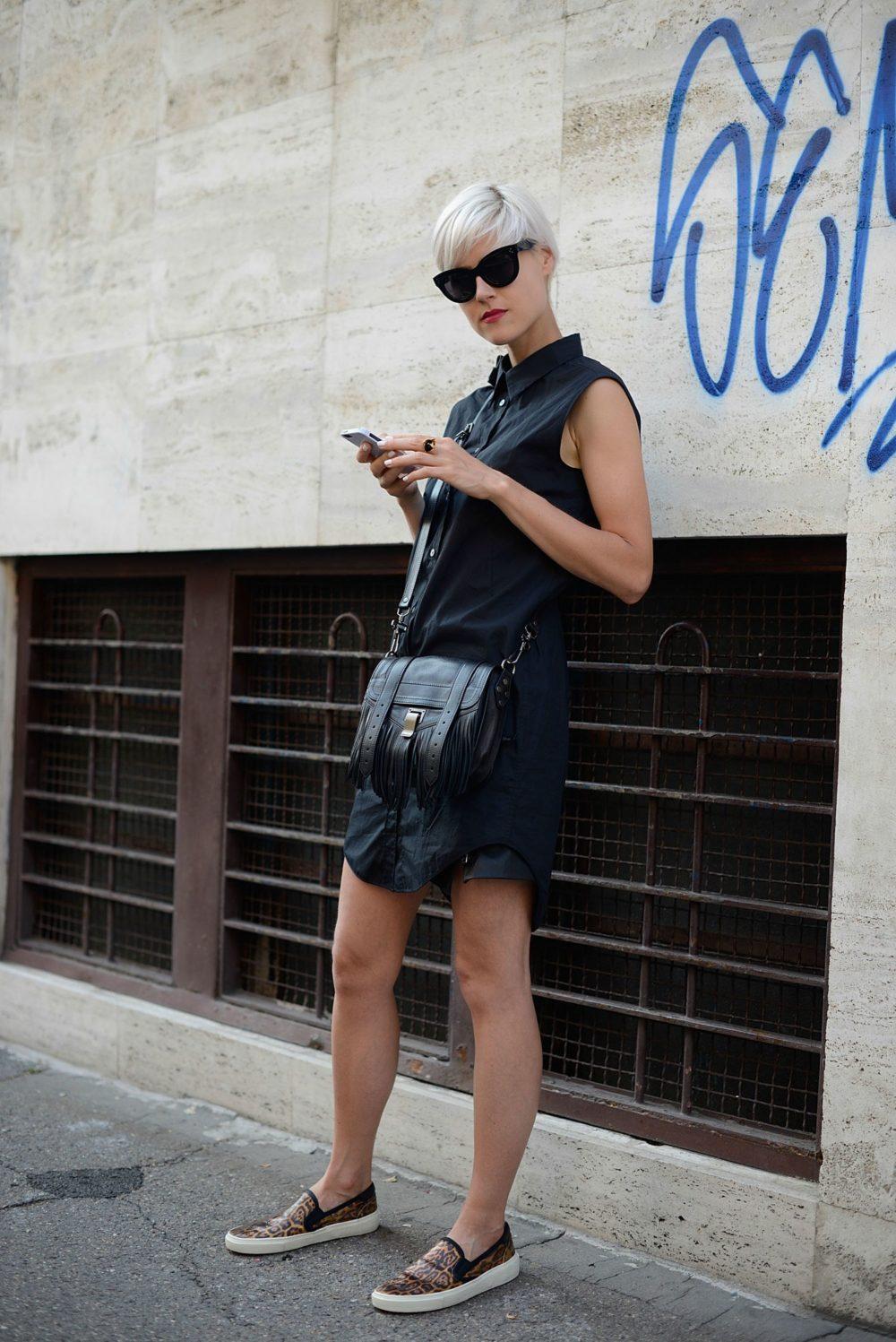 Слипоны с сарафаном: тренд для модниц