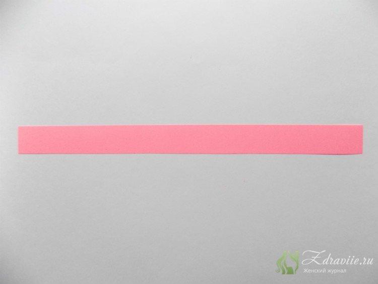 вырезаем полоску длиной 21 см и шириной около 2,5 см.