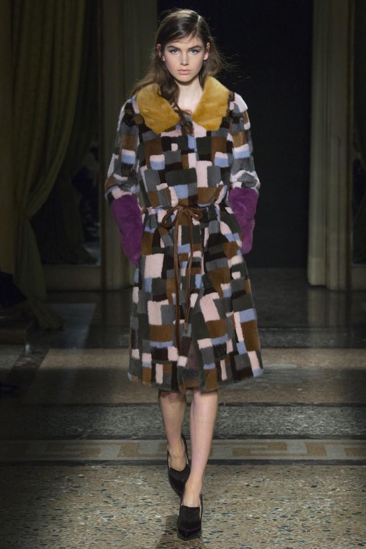 Пальто с геометрическим принтом