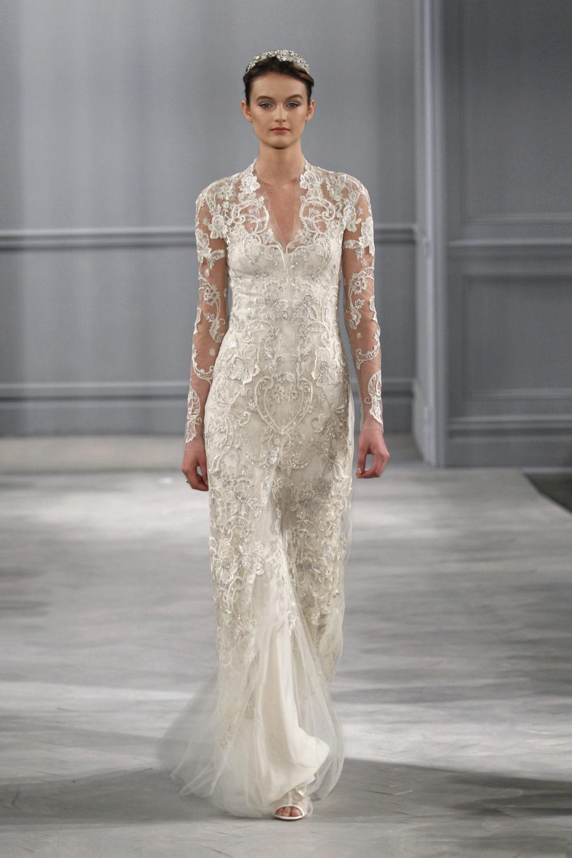 Стильное свадебное платье с вышивкой
