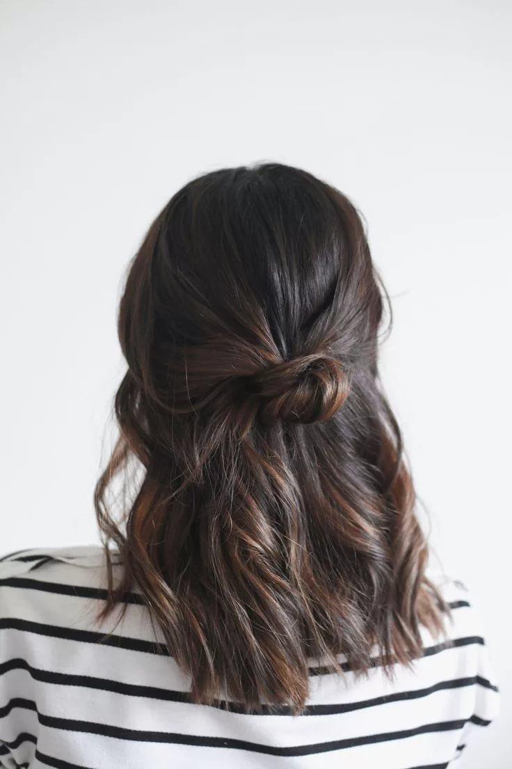 фото Простых причесок на средние волосы своими руками - 4