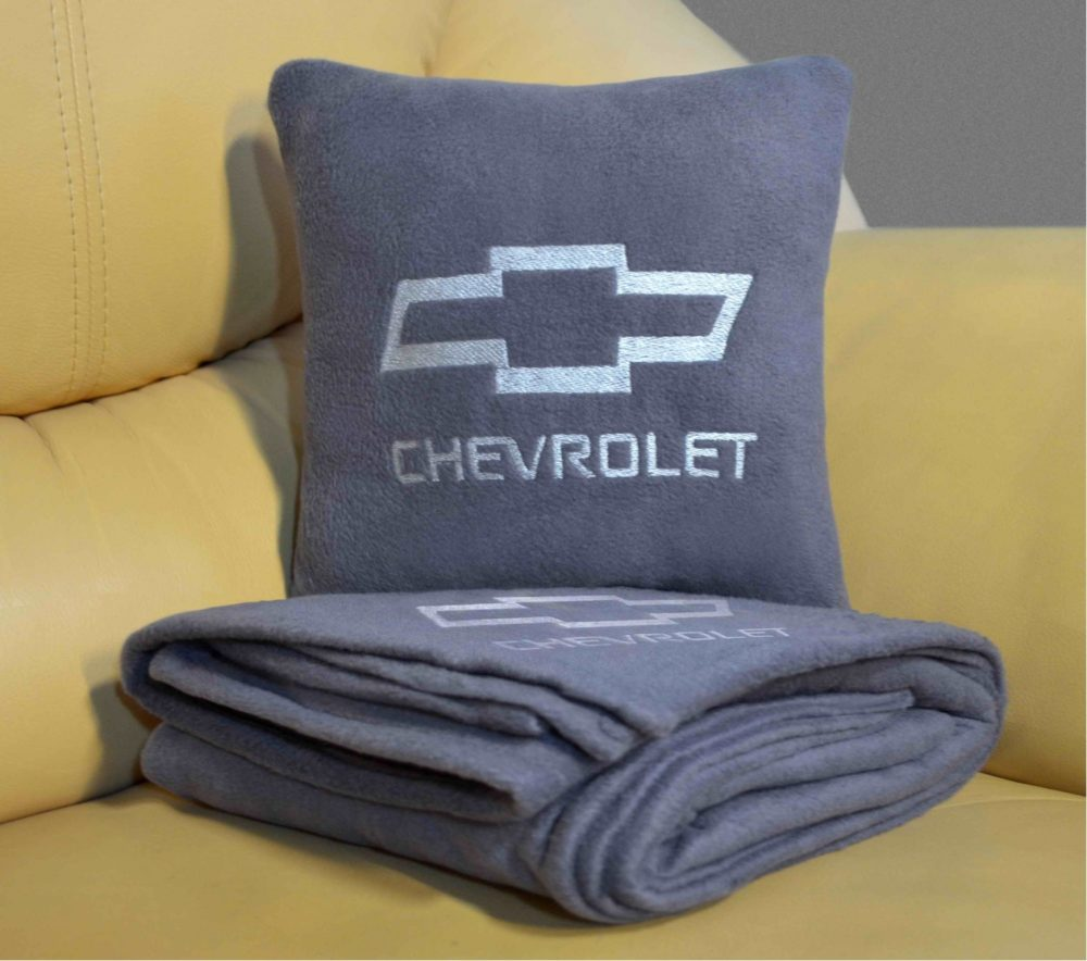 подушка на праздник для сына