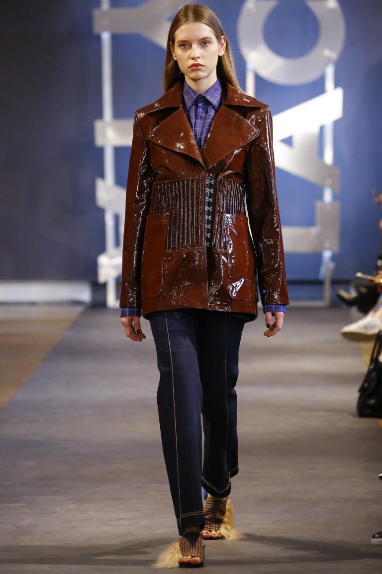 вариант лаковой стеганой куртки