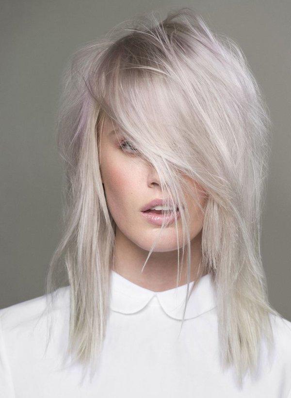 стильный платиновый блонд для светлых волос