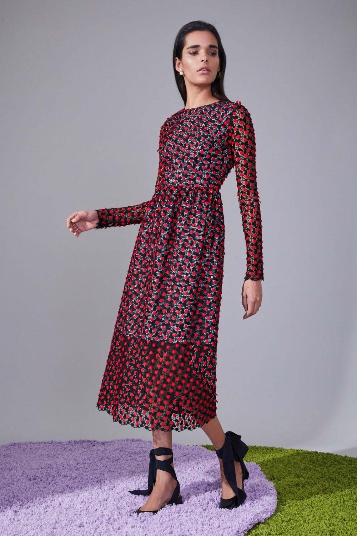 стильный вариант платьев на холодный сезон