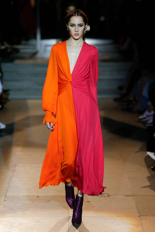 повседневное платье с длинными рукавами