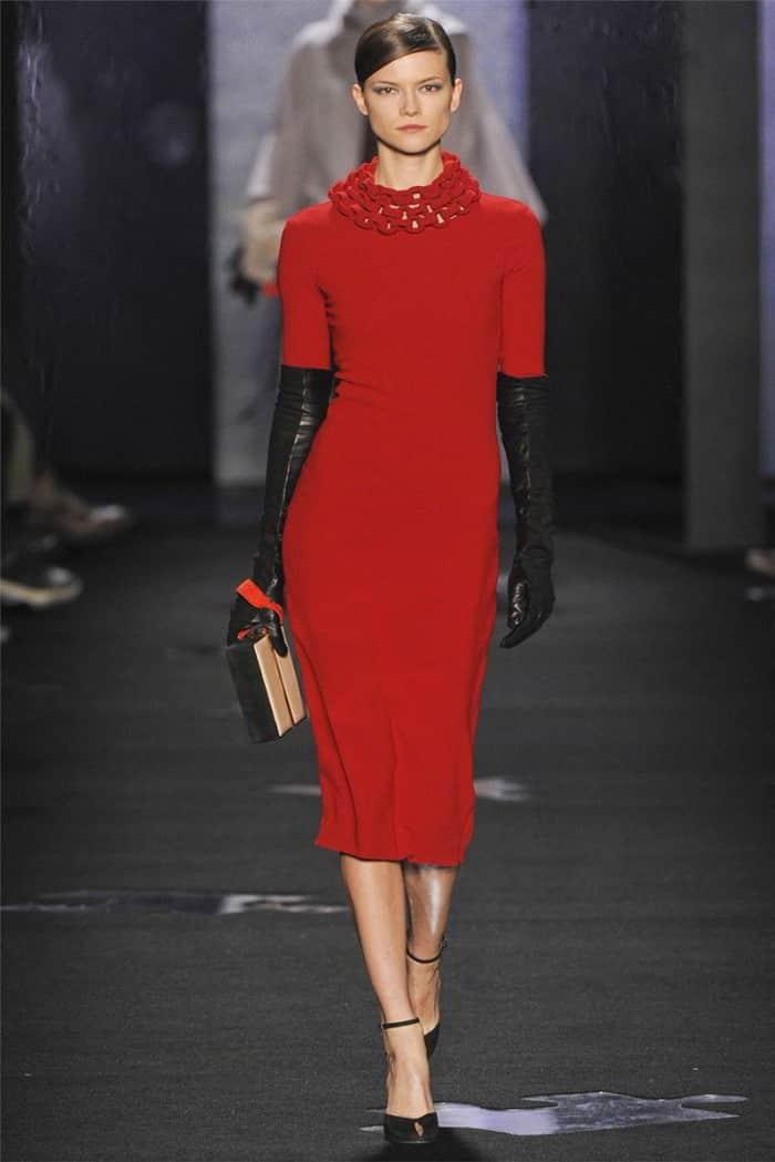 платье-футляр на осень-зиму